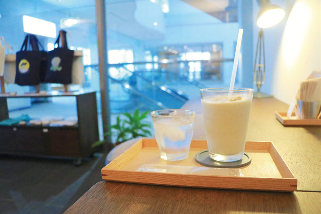 久米島空港の穴場カフェ「風人」